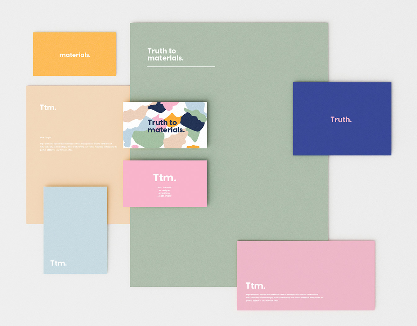 Colourful notecards in different formats
