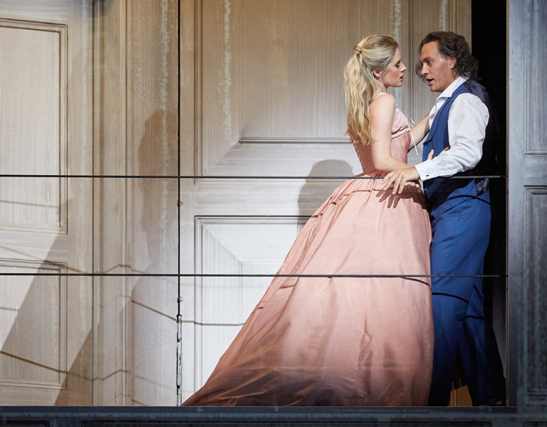 Malin Bystrom as Donna Anna and Erwin Schrott as Don Giovanni in Don Giovanni, The Royal Opera © 2019 ROH. Photograph by Mark Douet
