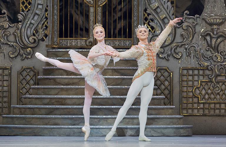 Yasmine Naghdi as The Sugar Plum Fairy in The Nutcracker, The Royal Ballet © 2017 ROH. Photographed by Karolina Kuras