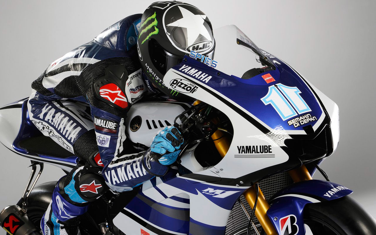 pizzoli-sponsorship-yamaha-racing