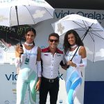 Videorelax stand and girls