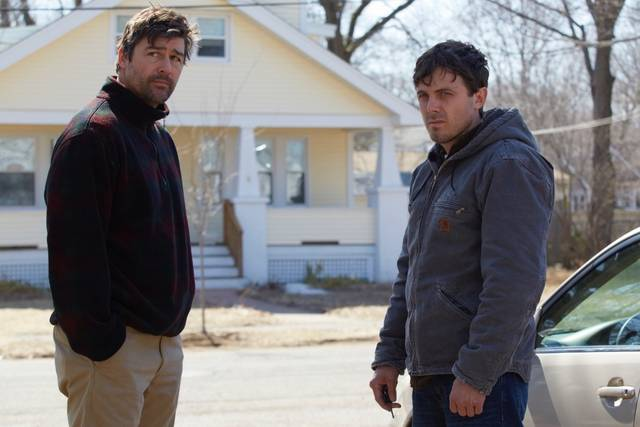Manchester by the Sea Casey Affleck Kyle Chandler foto dal film 4