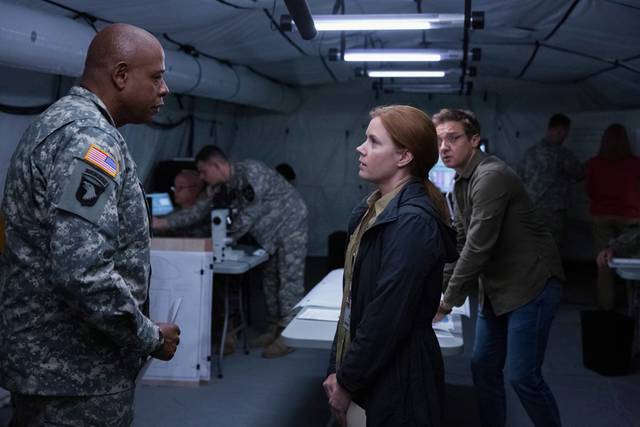 Amy Adams, Jeremy Renner e Forest Whitaker in Arrival