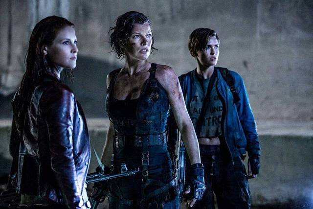 Resident Evil - The Final Chapter Milla Jovovich Ali Ruby Rose Larter foto dal film 1