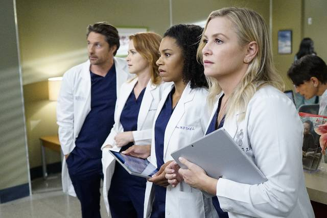 Grey's Anatomy 13x07 Riggs April Maggie Arizona Promo 10