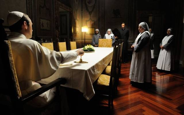 The young pope s1 e10002 mid