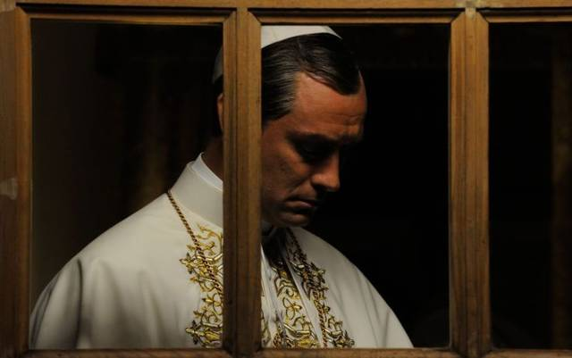 The young pope s1 e9001 mid