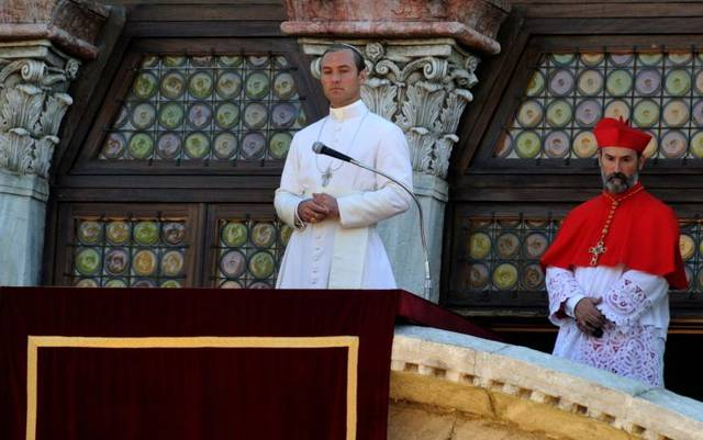 The young pope s1 e9002 mid