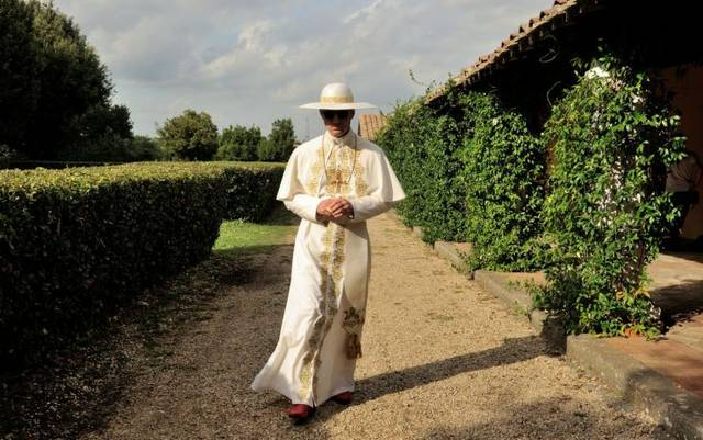 The young pope s1 e7001 mid