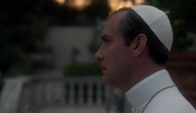 The young pope s1 e8003 mid