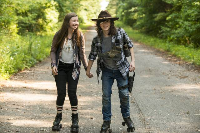 The Walking Dead 7x05 Enid Carl Promo 12