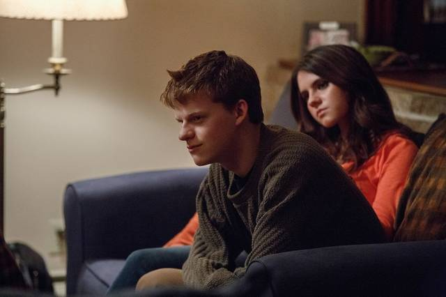 Manchester by the Sea Lucas Hedges Kara Hayward foto dal film 2
