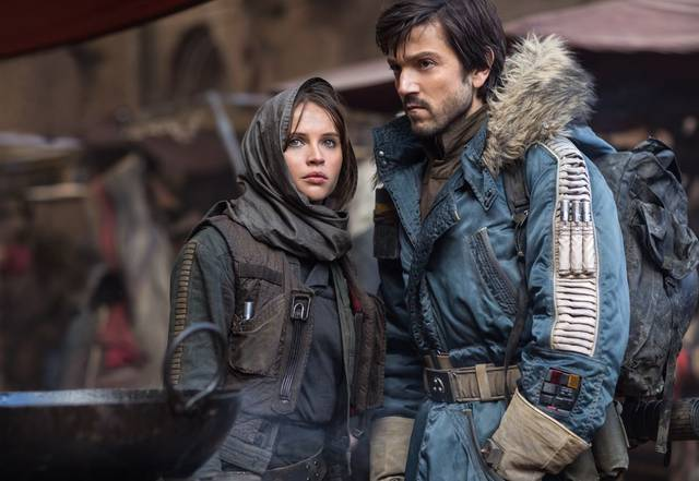 Rogue One - A Star Wars Story Felicity Jones Diego Luna foto dal film 1