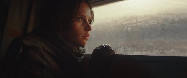 Rogue One - A Star Wars Story Felicity Jones foto dal film 1
