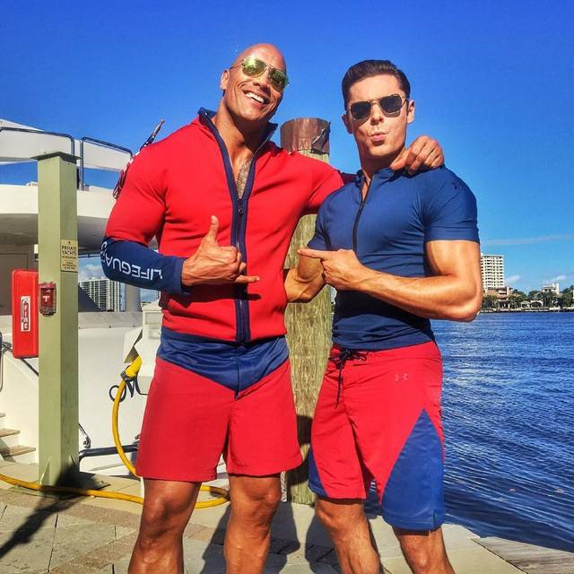 Baywatch Zac Efron Dwayne Johnson foto dal set 1