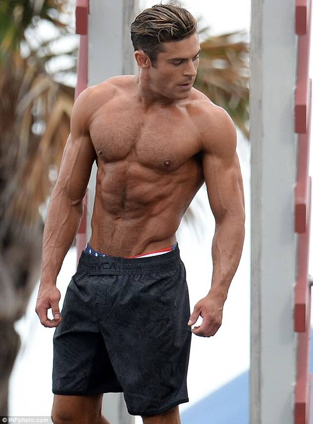Baywatch Zac Efron foto dal set 3