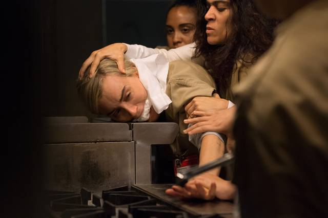 Orange is the new black season 4 images taylor schiling mid