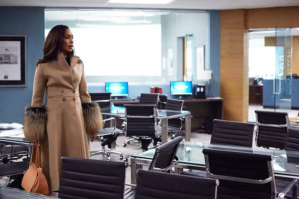Suits%205x16%20promo%201 mid