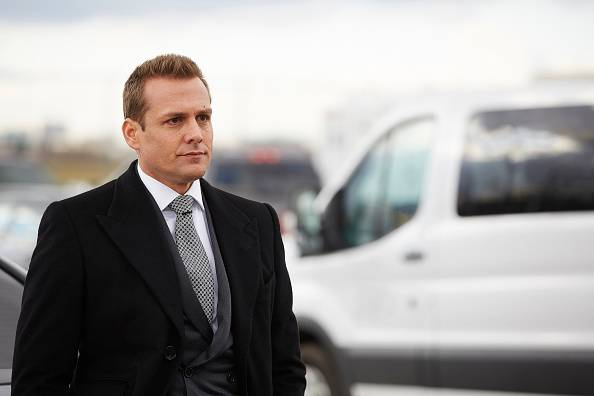 Suits%205x16%20promo%204 mid