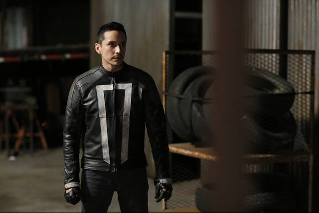Agents of SHIELD 4x01 Robbie Reyes
