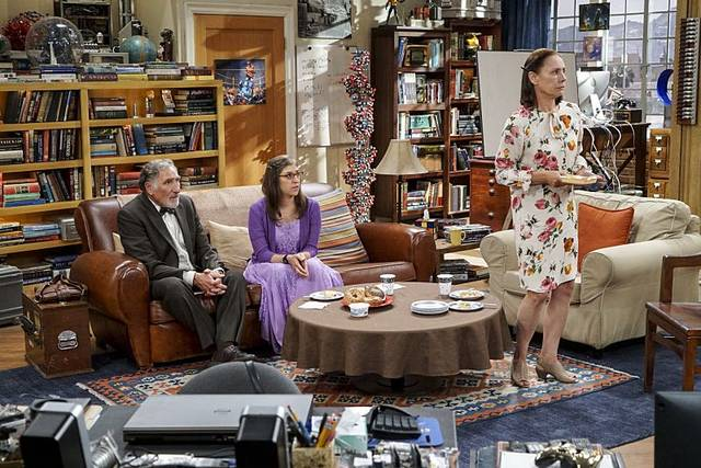 The Big Bang Theory 10x01 Amy Alfred Mary Promo 16