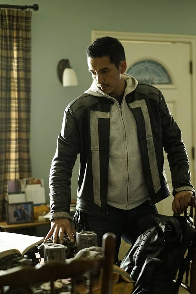Agents of SHIELD 4x03 Robbie Reyes Promo 07