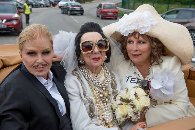Absolutely Fabulous - The Movie Jennifer Saunders Joanna Lumley foto dal film 11