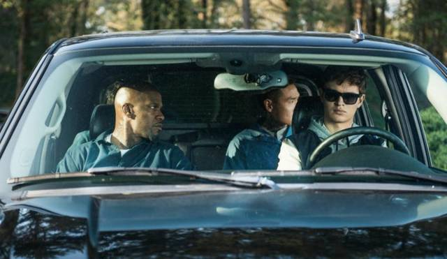 Jamie Foxx e Ansel Elgort in Baby Driver