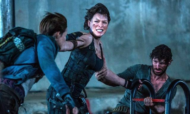 Resident Evil - The Final Chapter Milla Jovovich Eoin Macken Ruby Rose foto dal film 2