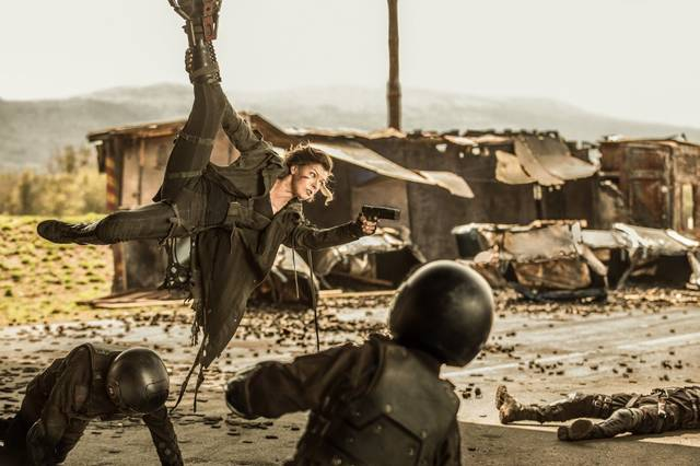 Resident Evil - The Final Chapter Milla Jovovich foto dal film 01