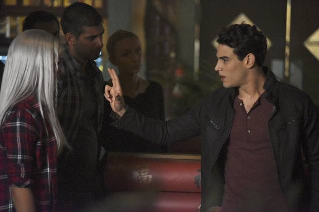 Shadowhunters s2 e10006 mid