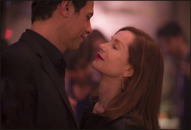 Elle Isabelle Huppert Laurent Lafitte foto dal film 1