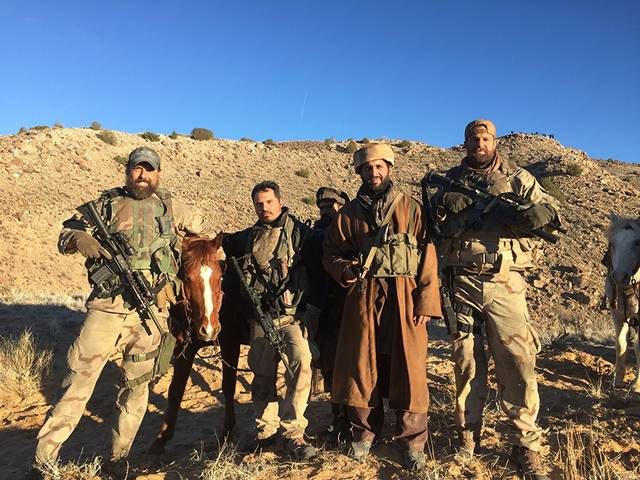 12 Strong Michael Peña foto dal film 10