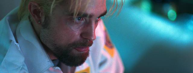 Good Time Robert Thomas Pattinson foto dal film 9