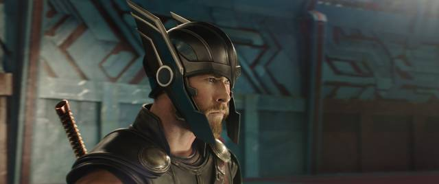 Thor - Ragnarok Chris Hemsworth foto dal film 1