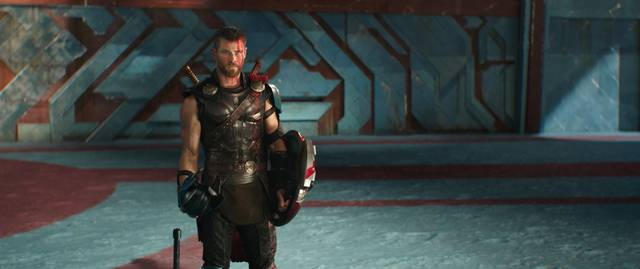 Thor - Ragnarok Chris Hemsworth foto dal film 2