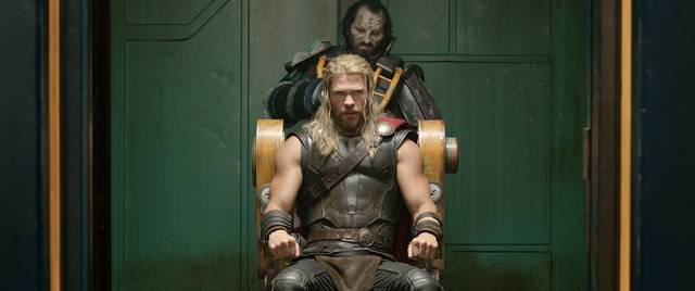 Thor - Ragnarok Chris Hemsworth foto dal film 6