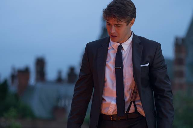 Mistero a Crooked House Max Irons foto dal film 1