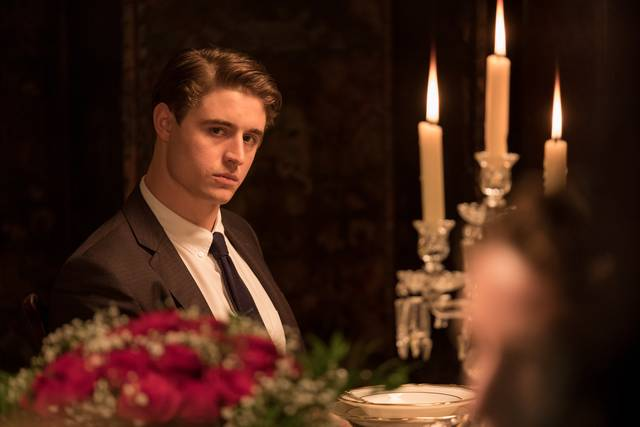 Mistero a Crooked House Max Irons foto dal film 4