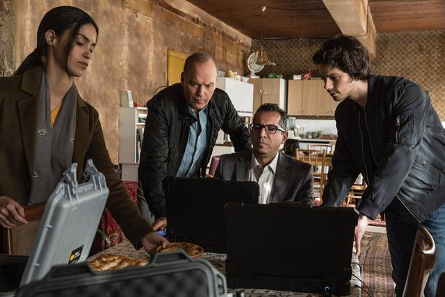 American Assassin Michael Keaton Dylan O'Brien foto dal film 1