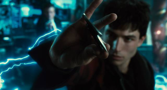Justice League_Ezra Miller_foto dal film 5