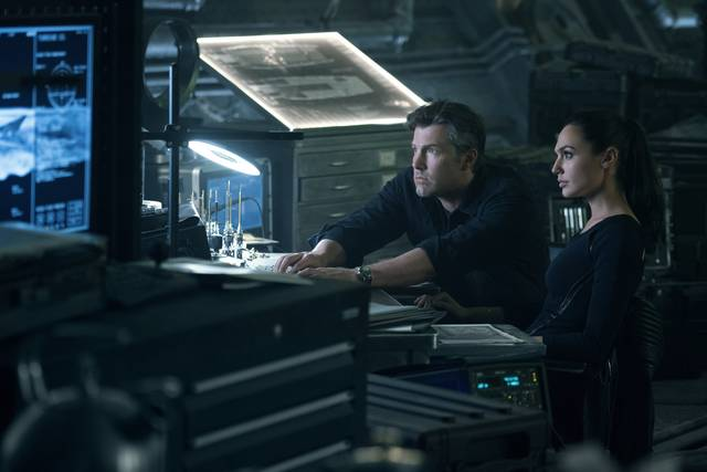 Justice League_Gal Gadot Ben Affleck_foto dal film 3