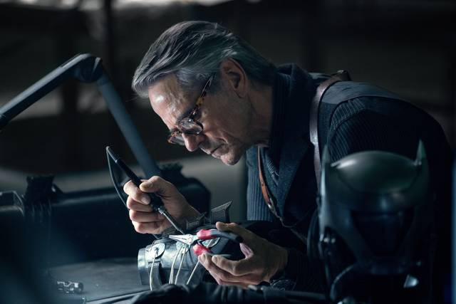 Justice League_Jeremy Irons_foto dal film 1