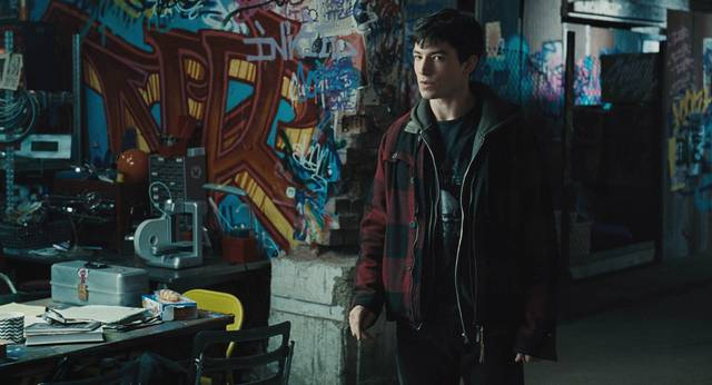 Justice League_Ezra Miller_foto dal film 7