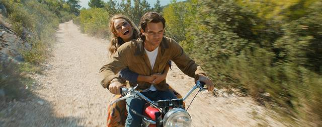 Mamma Mia - Here We Go Again Jeremy Irvine Lily James  foto dal film 5