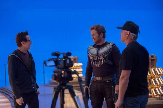 Il regista James Gunn e Chris Pratt nel backstage