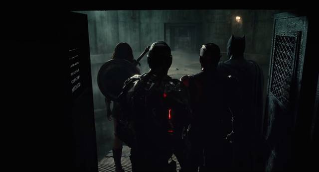 Justice League Gal Gadot Wonder Woman. Jason Momoa Aquaman, Ray Fisher Cyborg. Ezra Miller The Flash. Ben Affleck Batman Screenshot 2