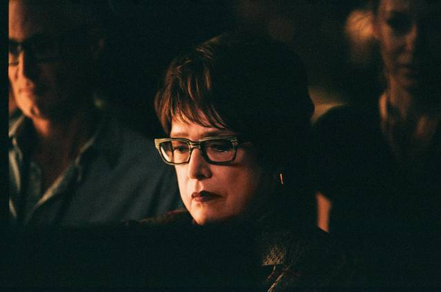The Death and Life Of John F. Donovan Kathy Bates foto dal film 2