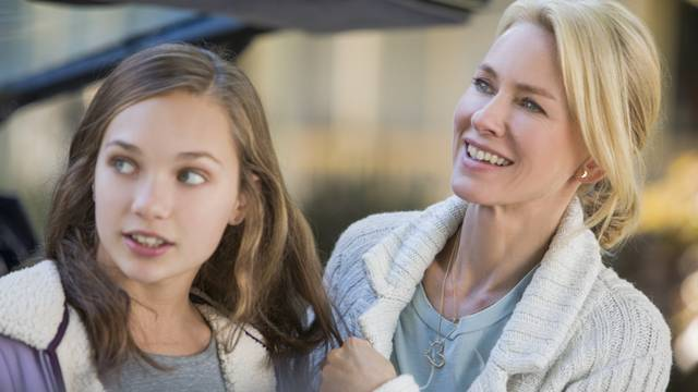 The Book of Henry Naomi Watts Maddie Ziegler foto dal film 1