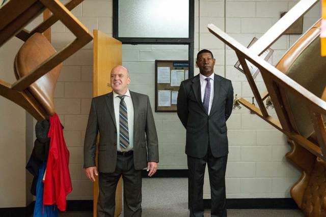 Fist Fight Dennis Haysbert Dean Norris foto dal film 2